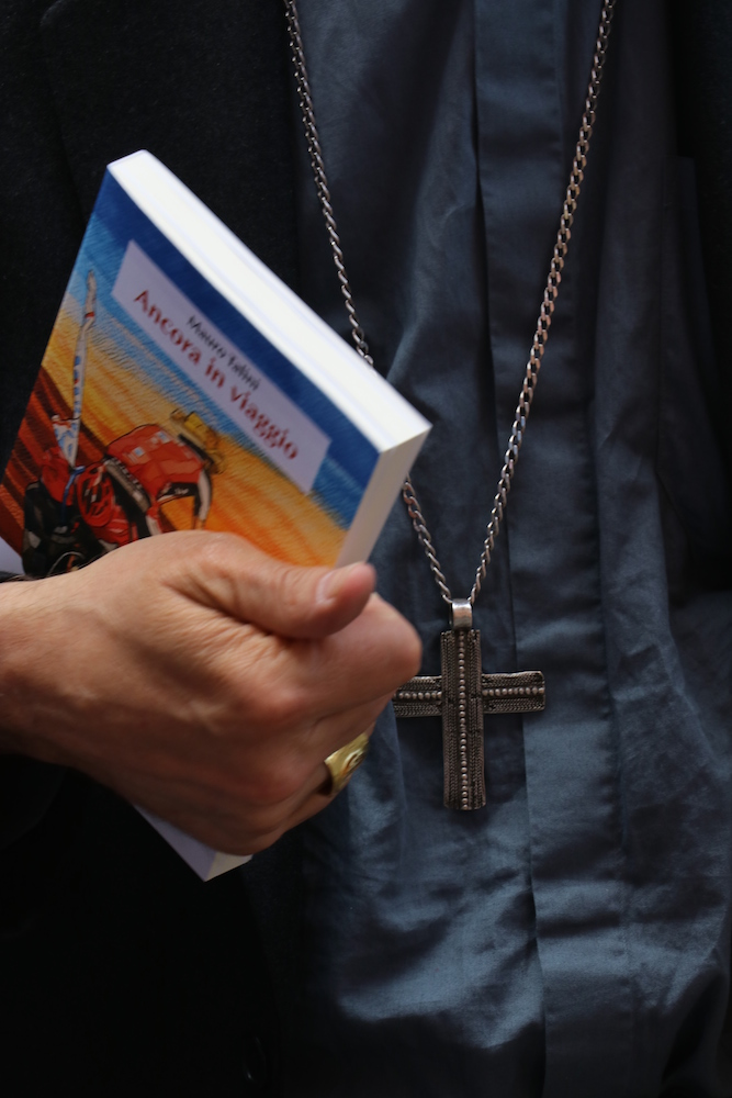 Mons. Zuppi e il libro